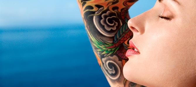 ¿Cómo afecta el sol a tu piel tatuada?